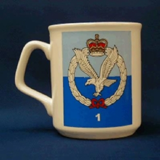 1 REGT AAC CREST WHITE COFFEE MUG